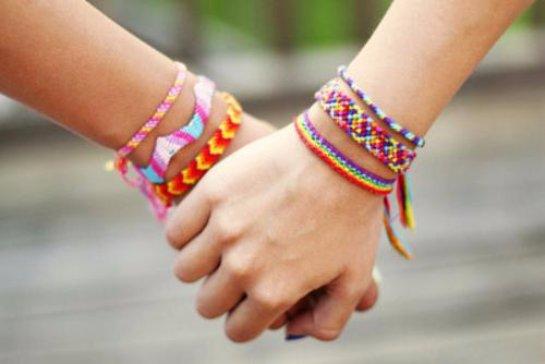 Ученые сказали, какую дружбу можно назвать идеальной