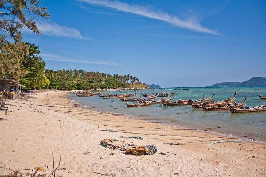 Один из лучших пляжей Тайланда — Равай