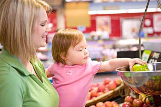 Совместные покупки с родителями развивают детей