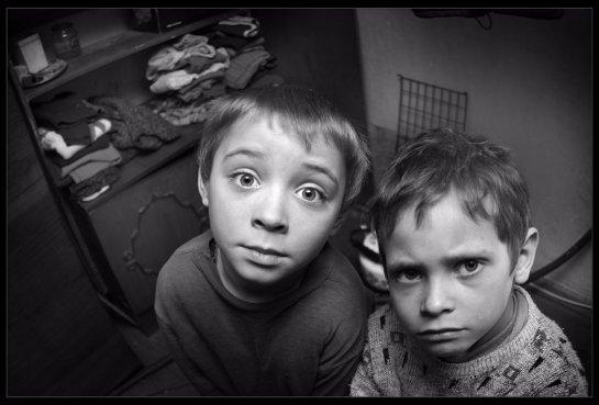 Дети из бедных семей чаще страдают от психологических стрессов