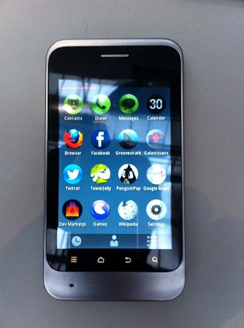 Первый смартфон на Firefox OS
