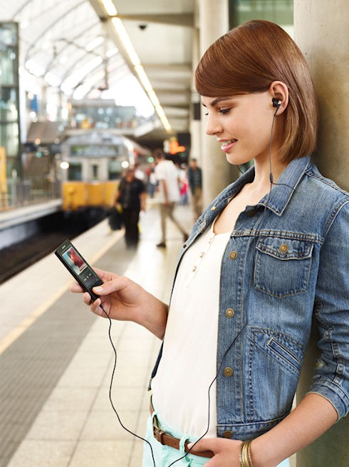 Sony Walkman F800 – медиаплеер на базе Android