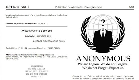 Anonymous защищают символ своей группы