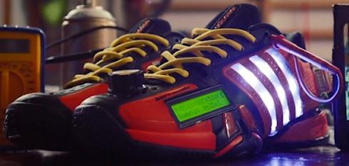 Social Media Shoe - социальные кроссовки от Adidas