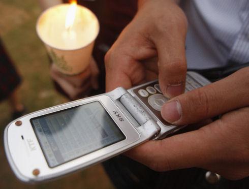 Подростки чрезвычайно зависимы от мобильных телефонов