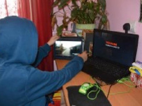 13-летний хакер стал свидетелем переписки террористов