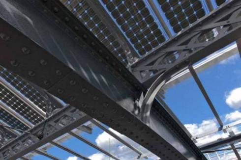 Солнечная крыша вокзала Кингс-Кросс в Лондоне