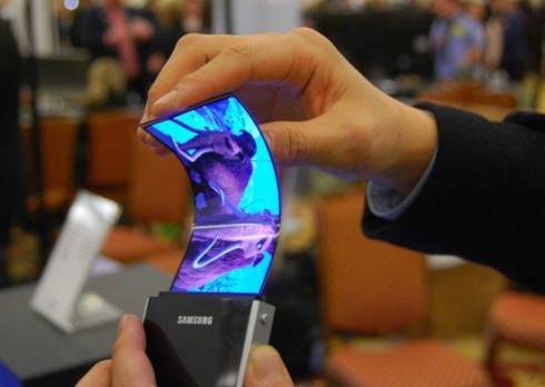 Выпуск гибких дисплеев AMOLED отложен