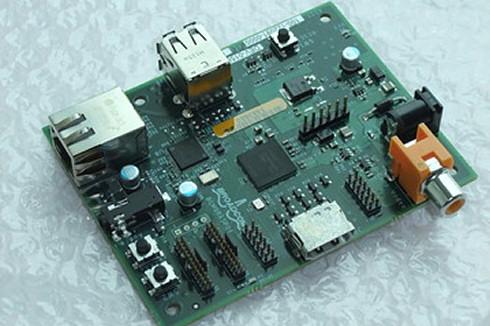 Обновленный Raspberry Pi с поддержкой 512 Мб RAM
