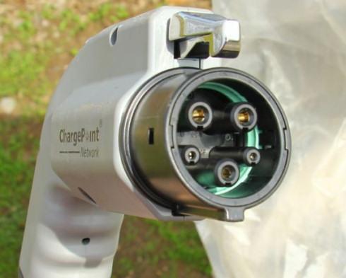 J1772 – единый стандарт зарядки электрокаров в Северной Америке