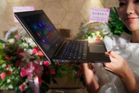 ASUS TAICHI с двусторонним дисплеем поступит в продажу в ноябре