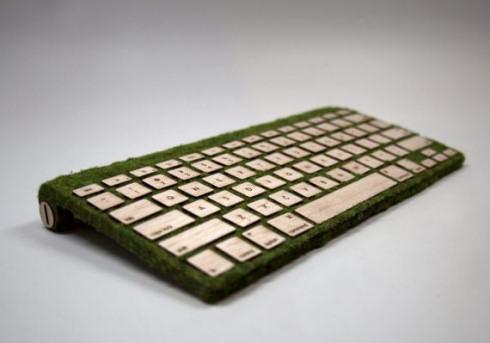 Дизайнерская клавиатура из дерева и мха