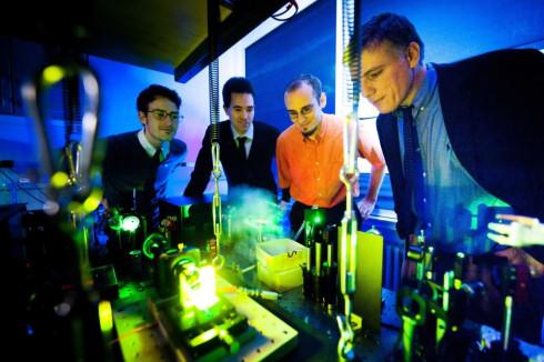 Физики впервые получили фотонный конденсат Бозе-Эйнштейна