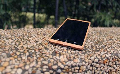 Android-смартфон из бамбука