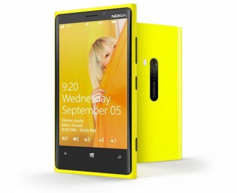 Продажи Nokia Lumia 920 в России провалились