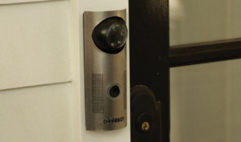 Дверной замок «DoorBot» с удаленным управлением