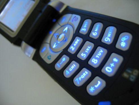 Служба 911 станет поддерживать SMS-сообщения