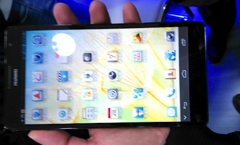 Huawei Ascend Mate с дисплеем 6,1 дюйма