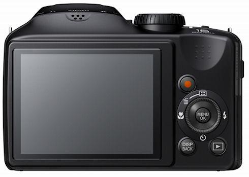 Fujifilm FinePix S6800 с 30-кратным зумом за 250 долларов