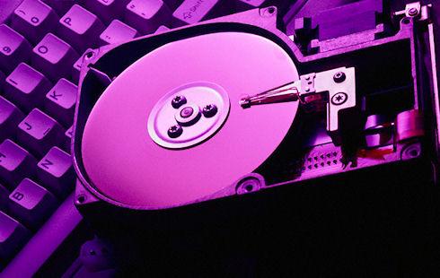 Жесткие диски дешевеют, а SSD переходят в наступление