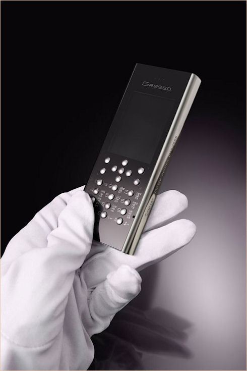 Gresso создала титановый телефон Cruiser Titanium