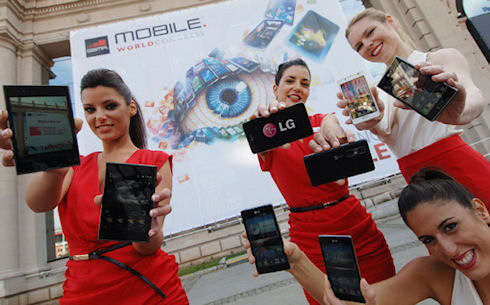 LG покажет в Барселоне смартфоны Optimus второго поколения