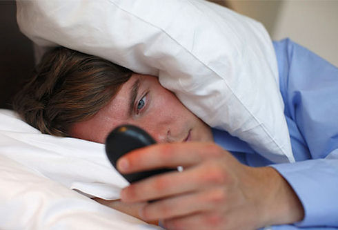 Мобильный лунатизм: дети отправляют SMS во сне