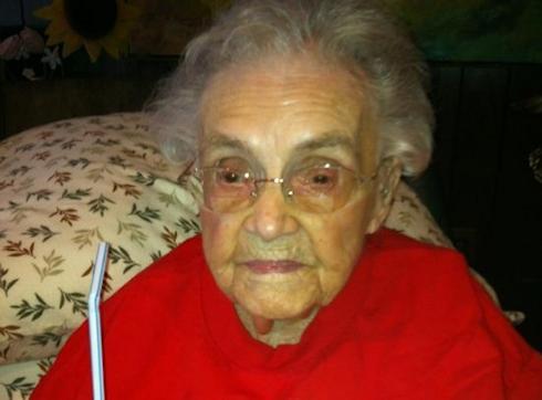 104-летняя женщина не смогла зарегистрировать в Facebook