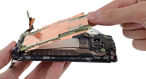 iFixit оценил ремонтопригодность HTC One