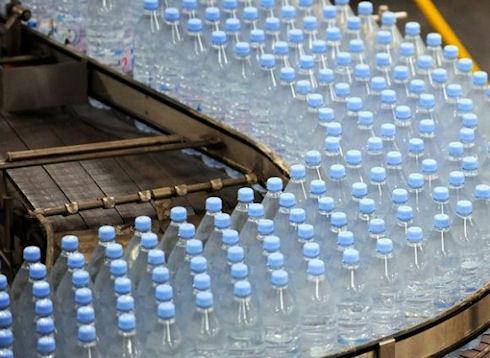 Во Франции нашли пестициды в бутилированной воде