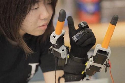 Робоперчатка – пальцы лишними не бывают!