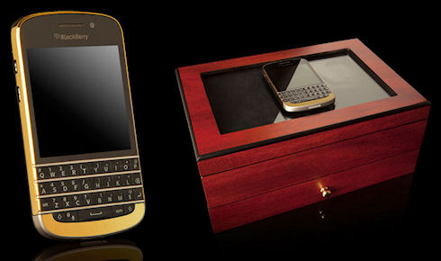 BlackBerry Q10 в золотом корпусе