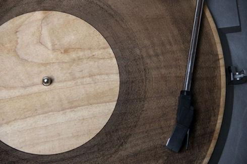 Аудиопластинки из дерева и акрила