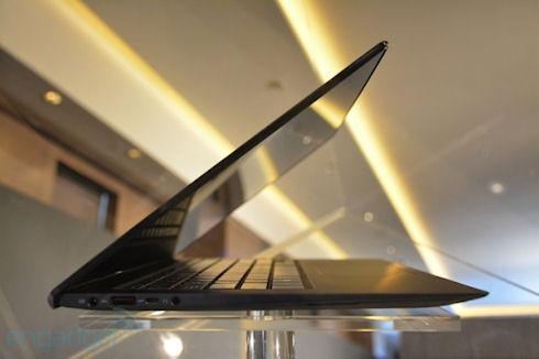 Ноутбук ASUS Zenbook Infinity с крышкой из стекла Gorilla Glass 3