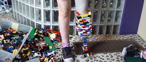 Ножной протез из конструктора Lego