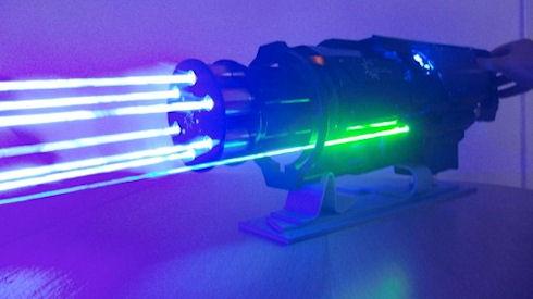 Действующая модель лазерного пулемета
