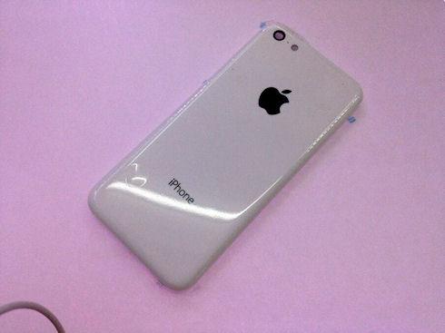 Новые фотографии корпусов дешевого и цветного iPhone