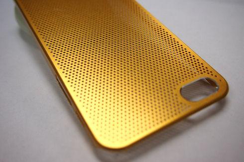 «Золотой» iPhone — телефон для пижонов?