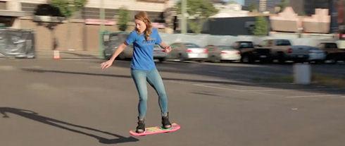 Видео с парящим скейтбордом оказалось розыгрышем
