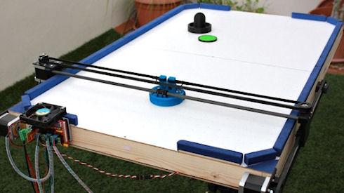 Создан робот для игры в аэрохоккей