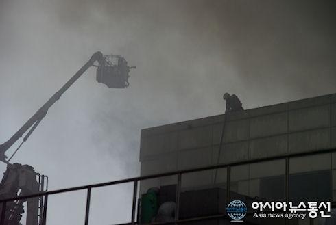 В Южной Корее сгорел завод по производству плат для Galaxy S5
