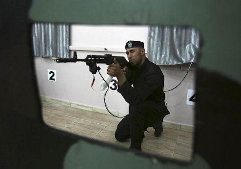 ХАМАС использует «лазерные заменители» боевого оружия