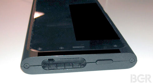 Опубликованы фотографии 3D-смартфона Amazon