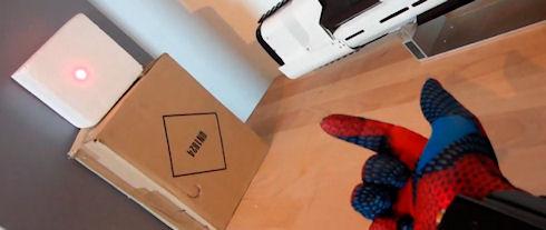 Любитель комиксов собрал «лазерную» перчатку Человека-паука