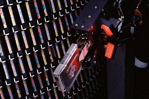 Sony научилась записывать на магнитный картридж 185 терабайт данных