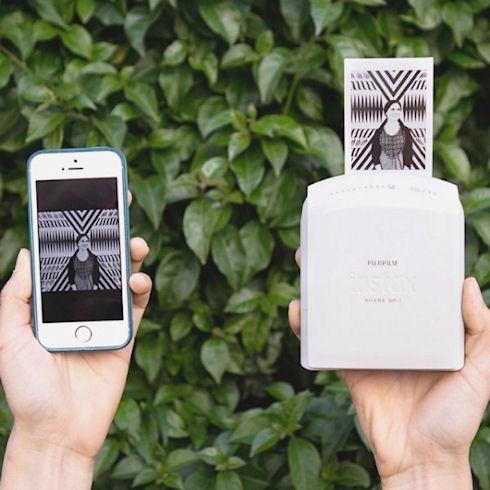 Instax Share SP-1 – устройство мобильной фотографии