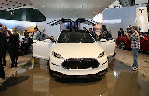 Электрокроссовер Tesla Model X – яркая новинка 2015 года