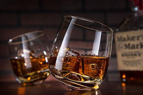 Wobbly Whiskey Glass – «падающий» стакан для виски