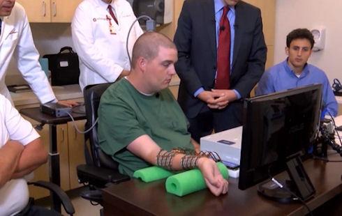 Импланты позволят победить паралич