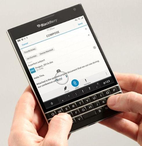 Квадратный BlackBerry Passport будет работать на ОС BlackBerry 10.3